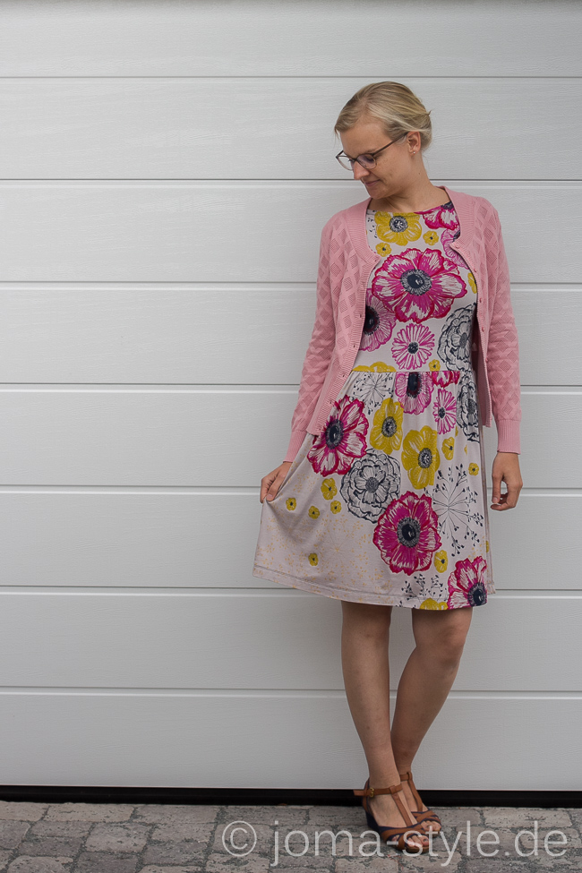 Kleiderliebe von jojolino aus Sommertraum pink von Lillestoff und Susalabim --> JOMA-style.de