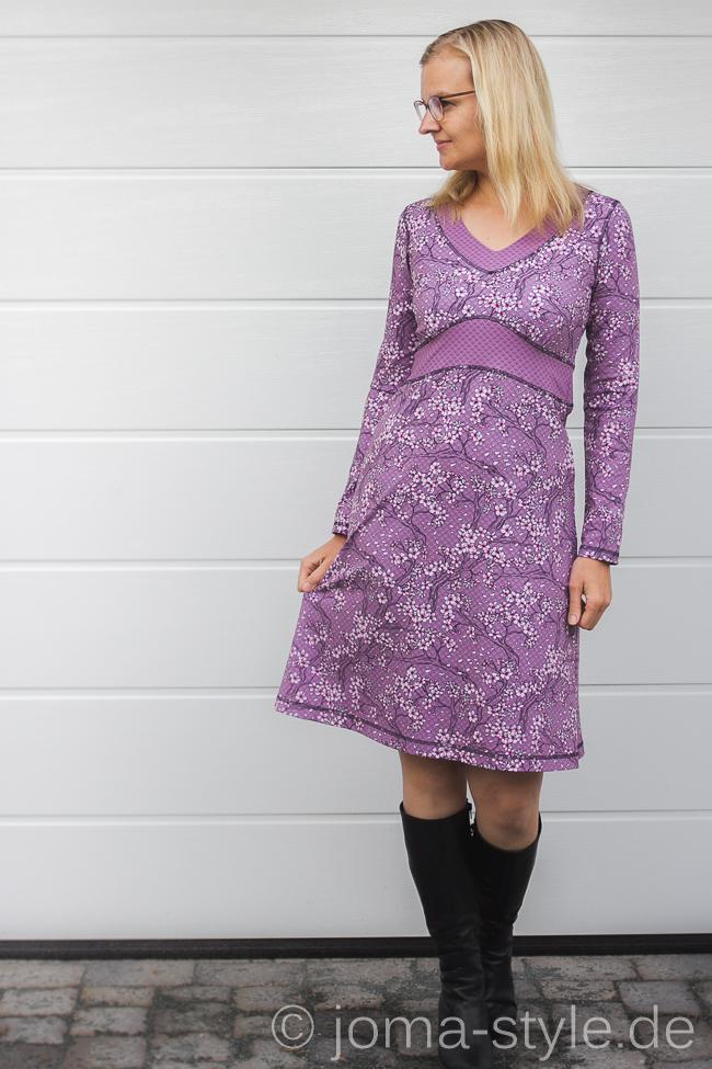 """alt=""""With Love from Tokyo von Stoff & Liebe zu einem Ottobre-Kleid vernäht --> genäht von JOMA-style.de"""""""