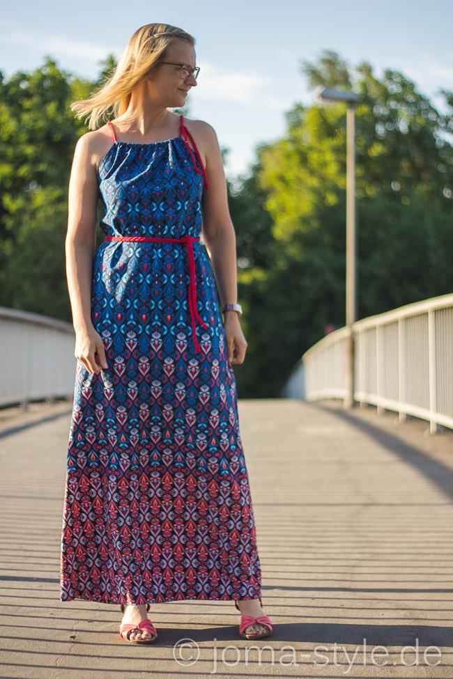 Fleurette von Stoff & Liebe - Kleid: Sommerliebe von Milchmonster --> JOMA-style.de